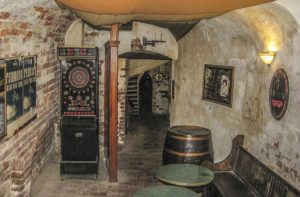 Finnegan Irish Pub